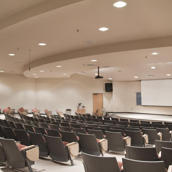 LIFA - Hörsaal Universität Downlight FLUSH