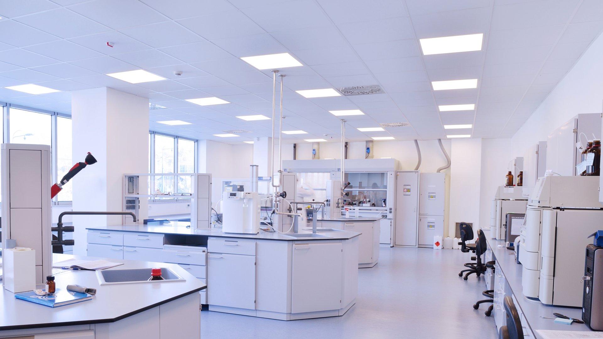 Anwendung des Panels WEGA ALL-IN in einem Labor